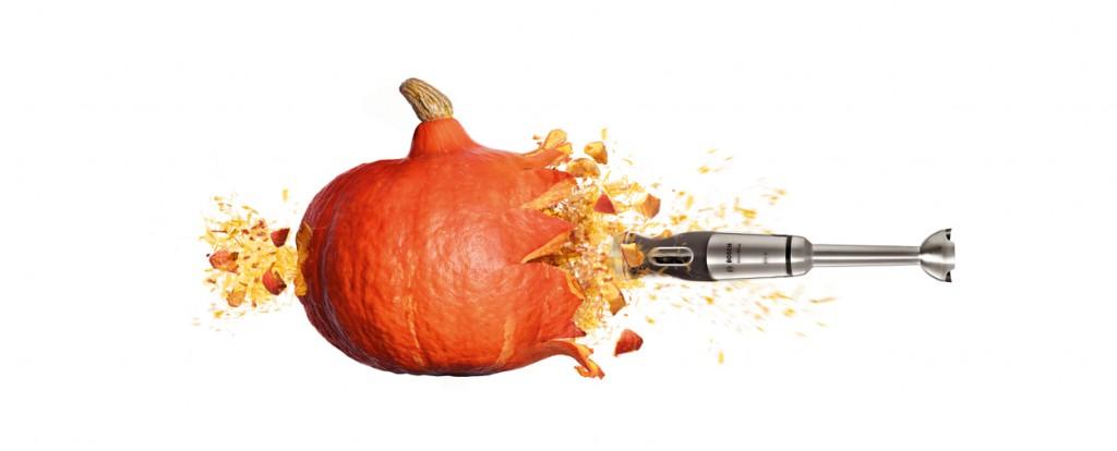 calabaza de Halloween con la batidora de mano MaxoMixx
