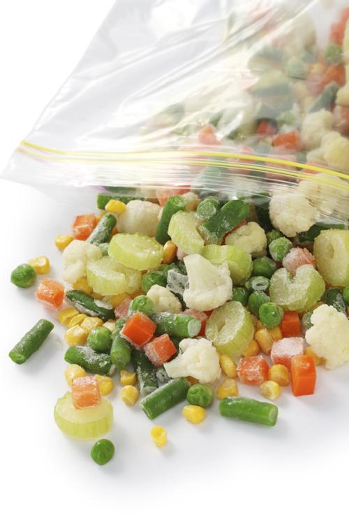 Congela las verduras en recipientes herméticos.