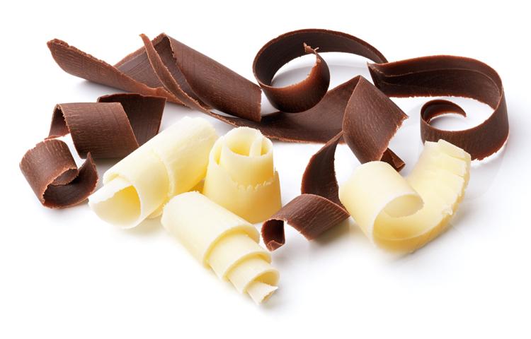 Toma una onza de chocolate al día.