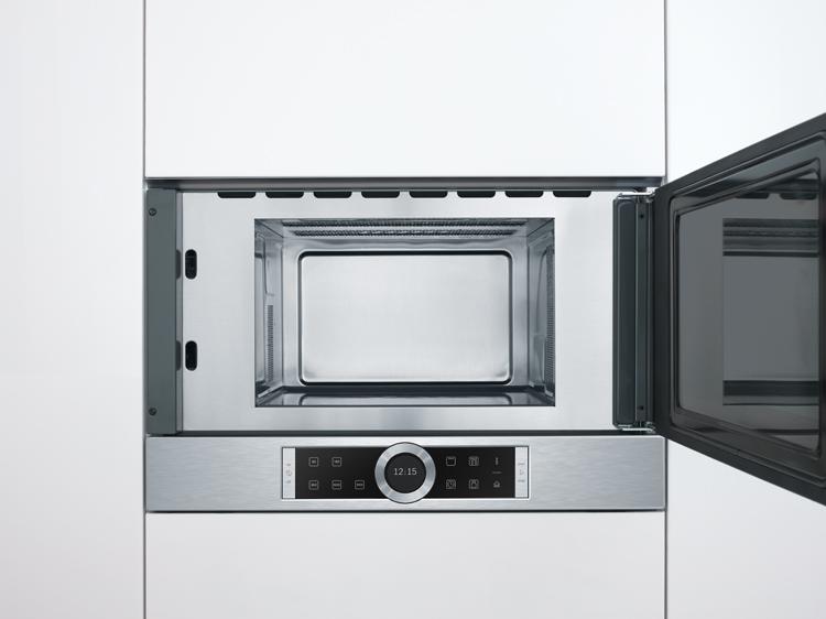 Limpiar el microondas sin plato giratorio es muy cómodo.