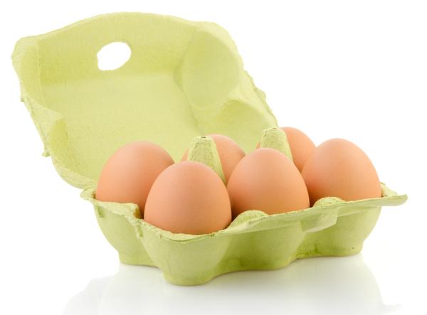 Antes de hacer el huevo duro hay que atemperarlo.