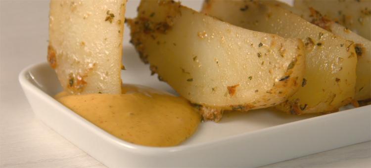 Patatas hechas en el horno: sansas y sin grasas
