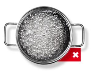 Lavar en agua caliente para eliminar todas las bacterias de la ropa