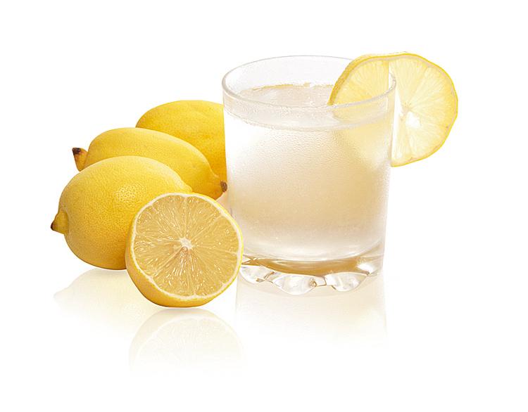 Zumo limón en ayunas