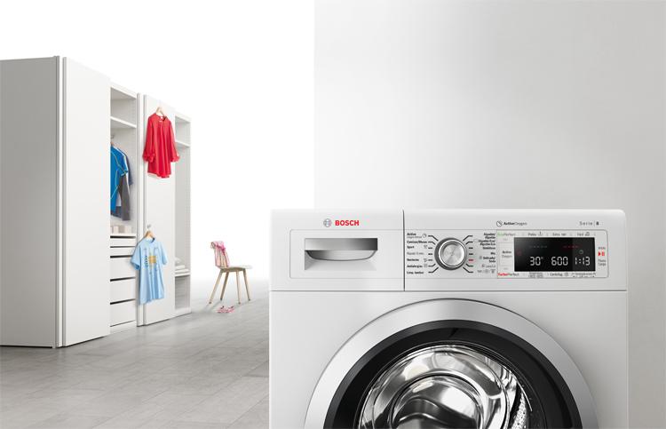 Programa rápido en las lavadoras Bosch para lavar la ropa en tiempo récord.
