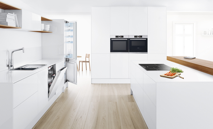 Cocina de diseño con electrodomésticos integrables de Bosch