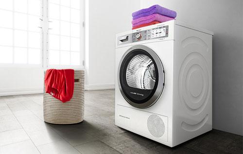 Lavadora en el cuarto de lavado