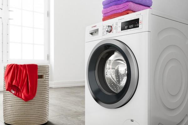 Por qué lavar la ropa al revés