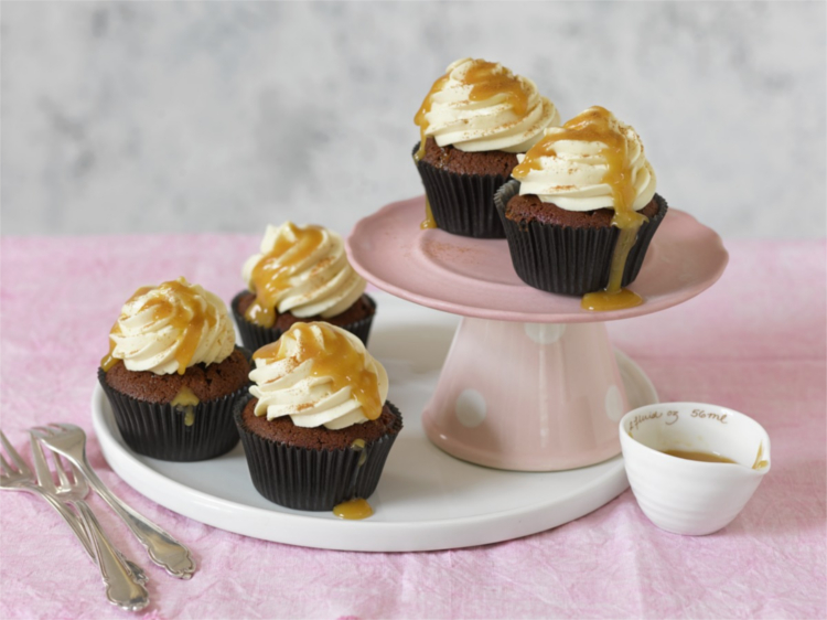 Cupcakes de chocolate y crema de queso