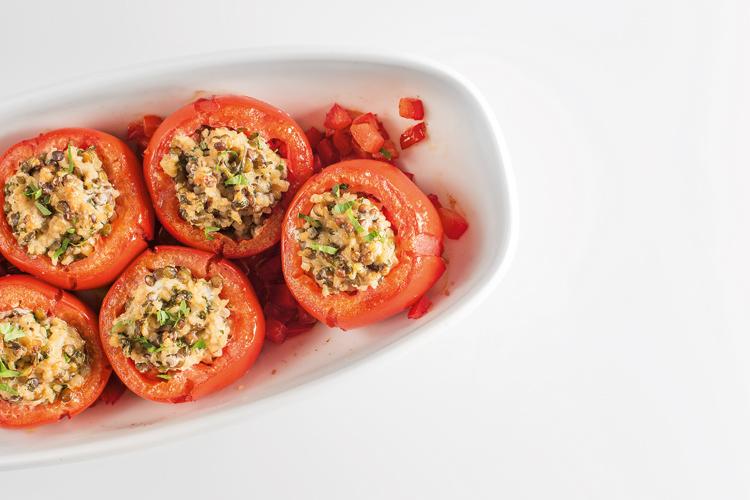 Receta tomates rellenos de lentejas, bulgur y queso de cabra