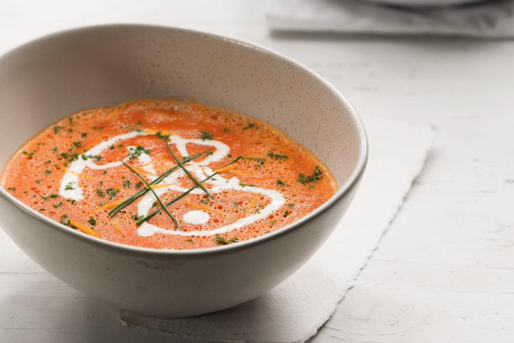 sopa tomate fría